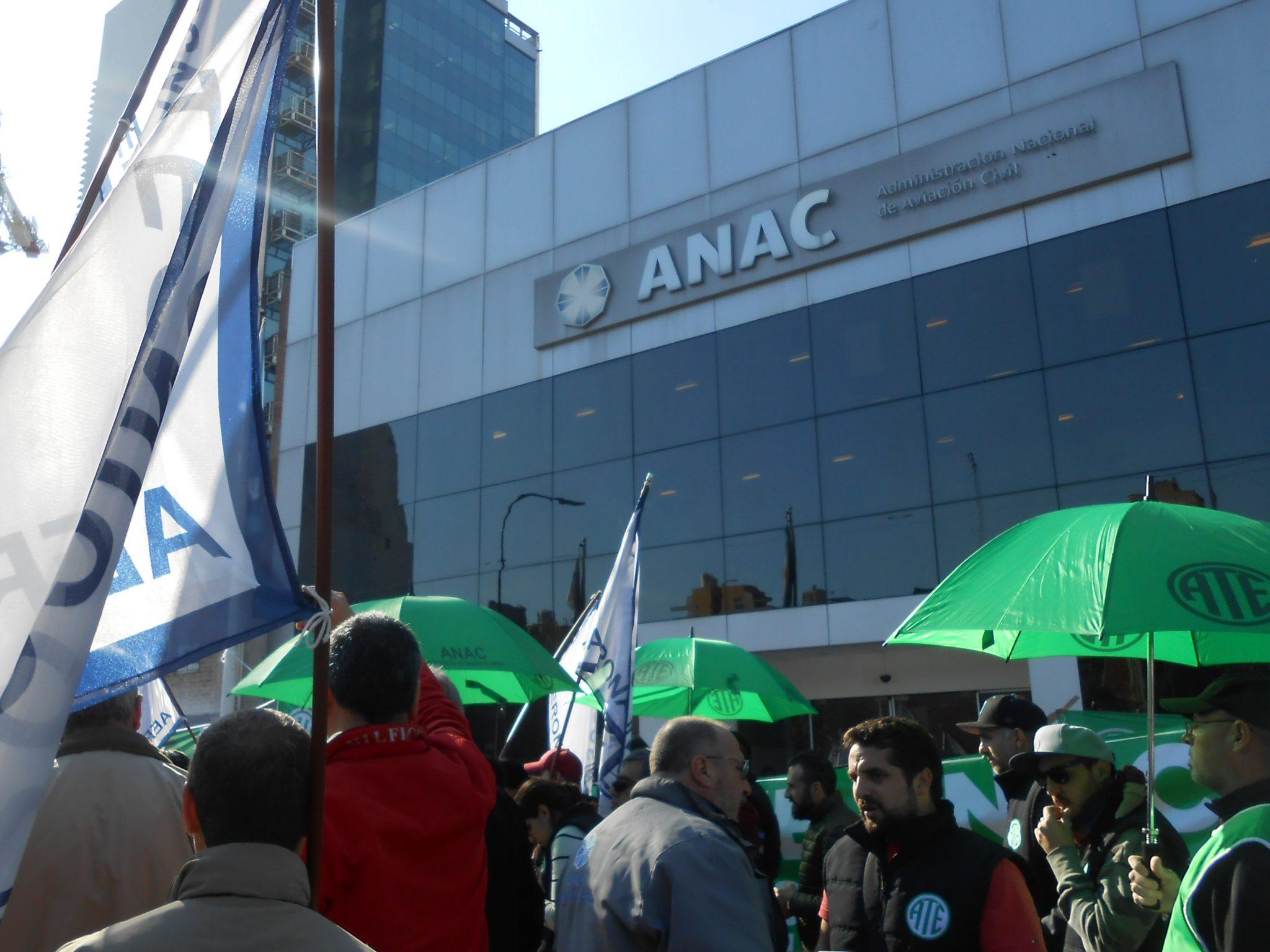 Anac incumple el pago de salarios aviaci n en argentina for Pago ministerio del interior